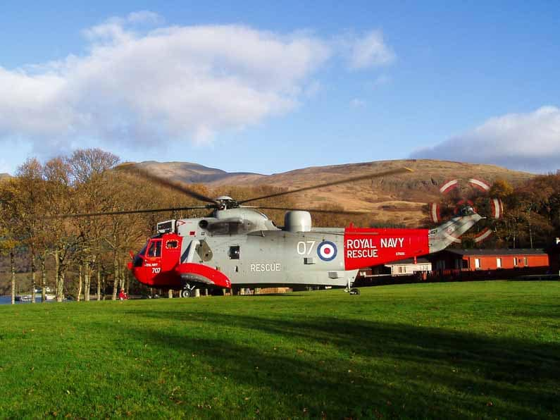 royal-navy-sea-king-helicopter-loch-lomond-1