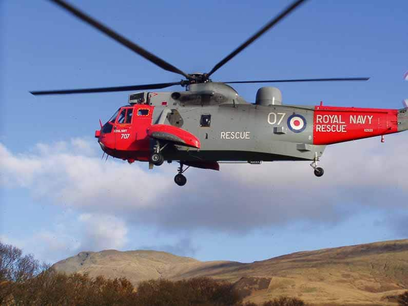royal-navy-sea-king-helicopter-loch-lomond-3