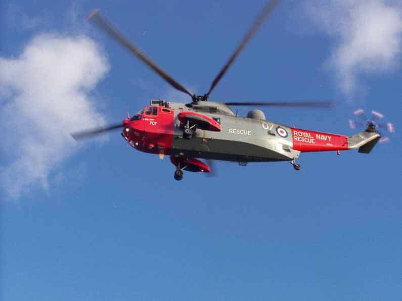 royal-navy-sea-king-helicopter-loch-lomond-4